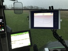John Deere 8R med Precision Makers