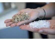 KUNGSBACKA köksfronter tillverkas av återvunnet trä och återvunnen plast.