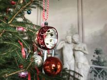 Katrinetorp Landeri, interiör med julgranskulor