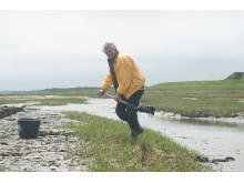 Von Grund auf gesund: Jochen Neumann vertraut auf die Heilkraft des Sylter Meeresschlicks.