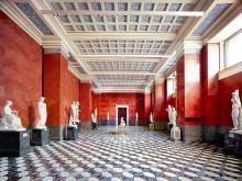 Hermitage St. Petersburg VIII 2014. Copyright Candida Candida Höfer _VG Bild-Kunst, Bonn
