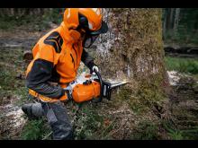 STIHL MS 400 C-M vaativiin metsätöihin