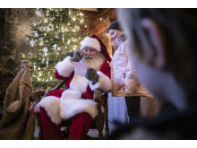 Tomten har tagit emot många önskelistor under julmarknaden.