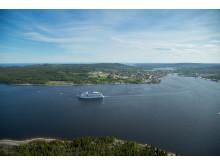 Birka Cruises på väg ut från Härnösand