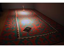 """""""Weltteppich"""" von Osmar Osten in der Ausstellung """"Gedanken Raum geben"""" im GRASSI Museum für Angewandte Kunst Leipzig"""
