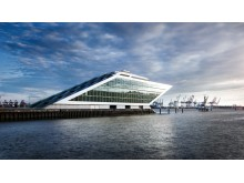 Futuristisches Gebäude im Hafen von Hamburg