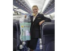 I år vil kabinepersonalet hos Thomas Cook Airlines uddele mere end 1,5 millioner poser med taxfreevarer.