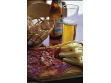 Tapas er danskernes foretrukne feriemad – gerne i selskab med en god, spansk øl…