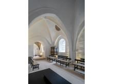 Kirkerummet er blevet gjort let, lyst og varmt i Sdr. Asmindrup Kirke