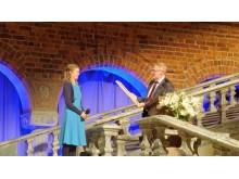 Julia Greek och Fabrikör J.L. Eklunds Hantverksstiftelses ordförande Jan Pettersson.