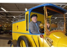 Enthusiast Anders Andersson behind the wheel of the oldest truck in Elmia Lastbil's Veteran Truck Hall – a Scania-Vabis from 1913.