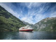 MS Otto Sverdrup (MS Finnmarken) - photo credit Hurtigruten _ Agurtxane Concellon