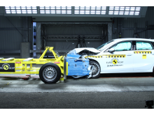 Audi A3 - Mobile Progressive Deformable Barrier test 2020