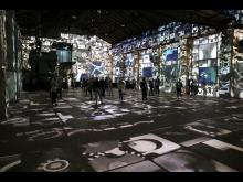"""Kunstkraftwerk Leipzig - Blick in die Ausstellung """"Boomtown"""""""