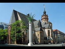 7 - Nikolaikirche mit Nikolaisäule