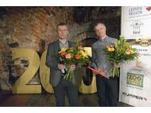 Danksagung der LTM GmbH an: v.l. Mario Wolf (Moritzbastei) und Adrian Neumann (Naturton GmbH)