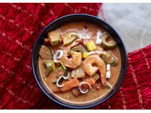 Curry suppe med laks og scampi