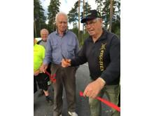 Alvar Olsson och Åke Fransson nyinviger återvinningscentralen i Österfärnebo