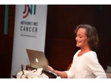 """Världscancerdagen 2011: Barbro Linderholm - """"Nationell harmonisering av bröstcancerbehandling"""""""