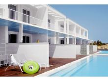 Sunwing Sandy Bay Beach på Cypern er et af Spies' mest populære familieresorts. En lang række af lejlighederne her har direkte udgang fra terrassen til egen swimmingpool.