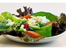 Salat mit Himbeere_Steve Buissinne by Pixabay