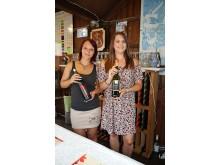 Leipziger Weinfest - Weinstand und Verkäuferinnen des Soma Weinguts aus Ungarn