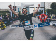 Den Doppelsieg für die SportScheck Crew in Baltimore sicherte der Magdeburger Sven Schenk beim Halbmarathon mit einer Zeit von 01:12 Stunden.