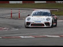 Det svenska stjärnskottet Rasmus Lindh från Kullavik ansluter till finalen i Porsche Carrera Cup Scandinavia