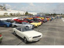 Ford Mustang nummer 1 var en Wimbledon-vit Mustang GT V8 cabriolet