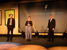 kreusch-carolina-camilla-statue-kulturpreis-bayern-2020-copyright-simon-leibl