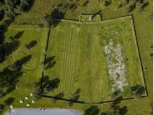 Kirkegården på Tjøtta, landskapsarkitekt  Karin Reistad. Foto Nasjonalmuseet, Annar Bjørgli (War Cemetery mark Tjøtta)
