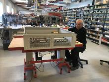 Montering af kompakttavle AX ved Kristian Jensen, HNC Group Montageafdeling