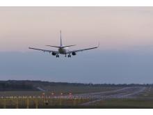Boeing 737-800 laskeutumassa