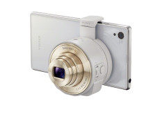 QX10_White_with_Xperia-i1_1-1200.jpg [259 KB]