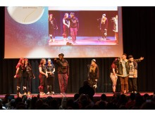 5 Jahre DEIN MÜNCHEN, Tanz- und Singperformance der Teilnehmer des Bildungsprogramms NO LIMITS