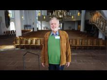 Stadtführer Uwe Trautsch nimmt die Zuschauer mit in ide St. Nikolaikirche