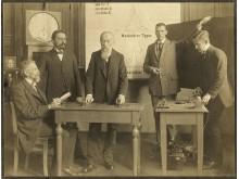 Wilhelm Wundt (Mitte) und seine Mitarbeiter am Leipziger Institut, 1910