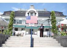 Norwegians koncernchef Bjørn Kjos håller tacktal på amerikanska ambassaden i Oslo