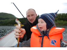 Fiske og fiskelykke med barn