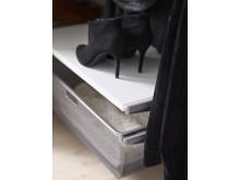 Elfa - Lifestyle - Classic - Closeup click-in melamine shelf