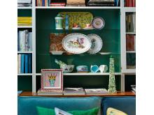 Miljöbild utställningen i butik med porslinsdetaljer