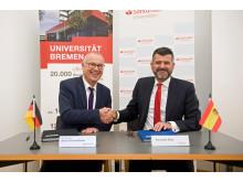 Unterzeichnung des Kooperationsvertrags mit der Bremer Universität