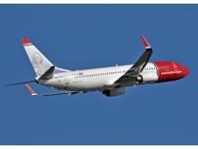 Norwegian-flyet LN-NOU tar av
