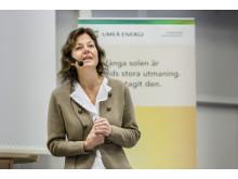 Agneta Filén inviger ljuserapisatsningen på Dragonskolan