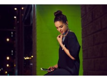 Sony_MDR-XB70BT_Lifestyle_10