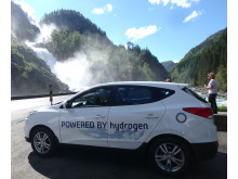 Hyundais ix35 Fuel Cell på E134 fra Bergen til Bolzano