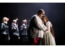 Rigoletto 2015 på NorrlandsOperan. Fredrik Zetterström (Rigoletto) & Teresia Bokor (Gilda.)