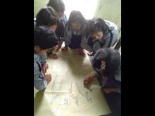 Flickor som deltar i fokusgrupper.jpg
