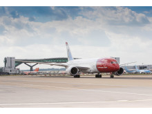 Norwegian's 787 Dreamliner at London Gatwick