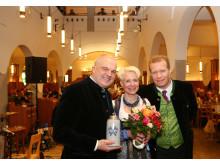 Freuen sich über die gelungene Eröffnung, v.l.: Karlheinz und Birgit Reindl, Wirte, Andreas Steinfatt, Geschäftsführer Hacker-Pschorr Bräu GmbH